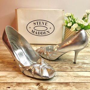 Steve Madden debonair Silver leather open toe